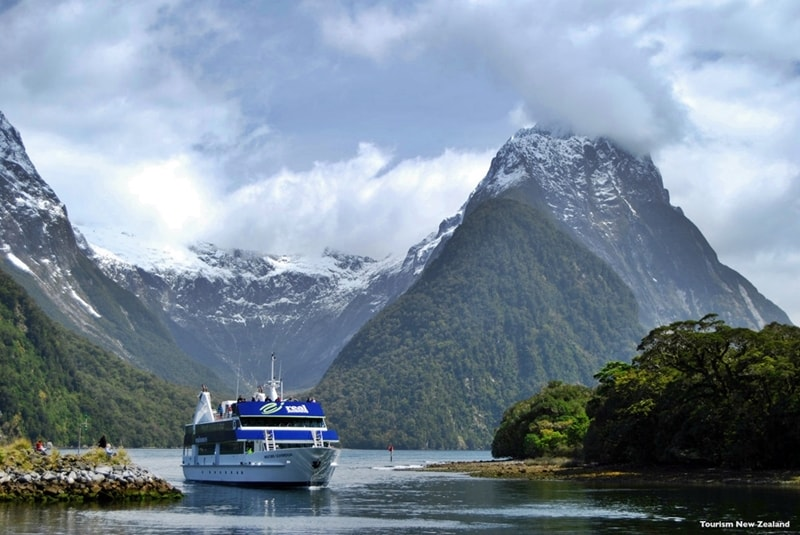 15 days Best of New Zealand Coach Tour