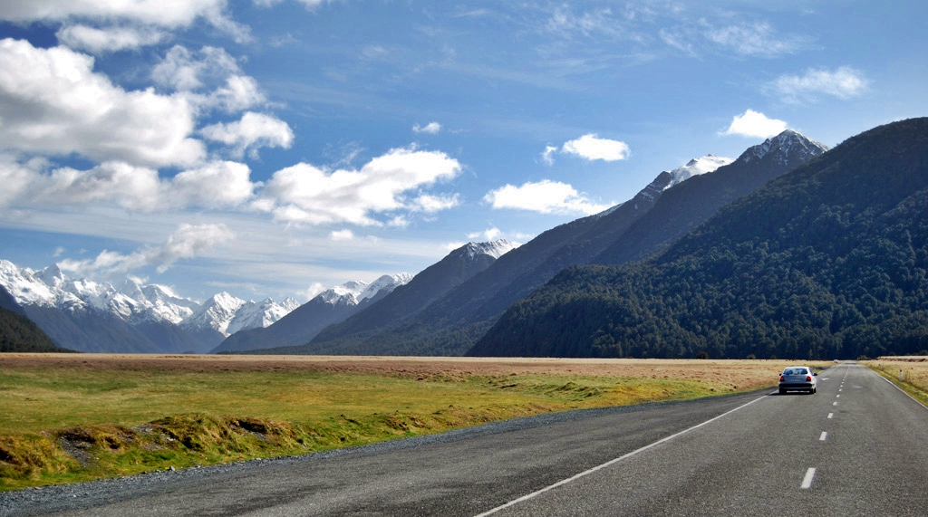 Eglinton Valley, Fiordland National Park, Photo Credit: Tourism New Zealand